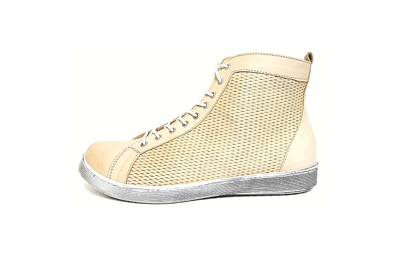Hoge sneaker van Andrea Conti in beige leder, sluiting met veter én rits, uitneembare binnenzool, breed model - €89.95