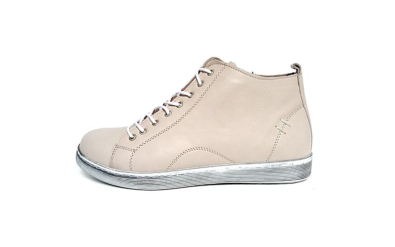 Hoge sneaker van Andrea Conti in zeer soepel beige leder, voering en binnenzool in leder, uitneembare binnenzool, sluiting met veter én rits - €79.95
