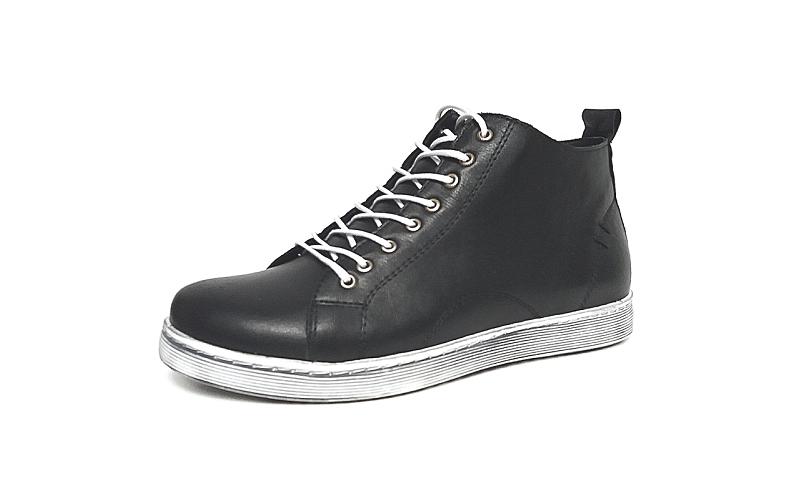 Hoge sneaker van Andrea Conti in zeer soepel zwart leder, binnenzool en voering in leder, uitneembare binnenzool, sluiting met veter én rits - €79.95