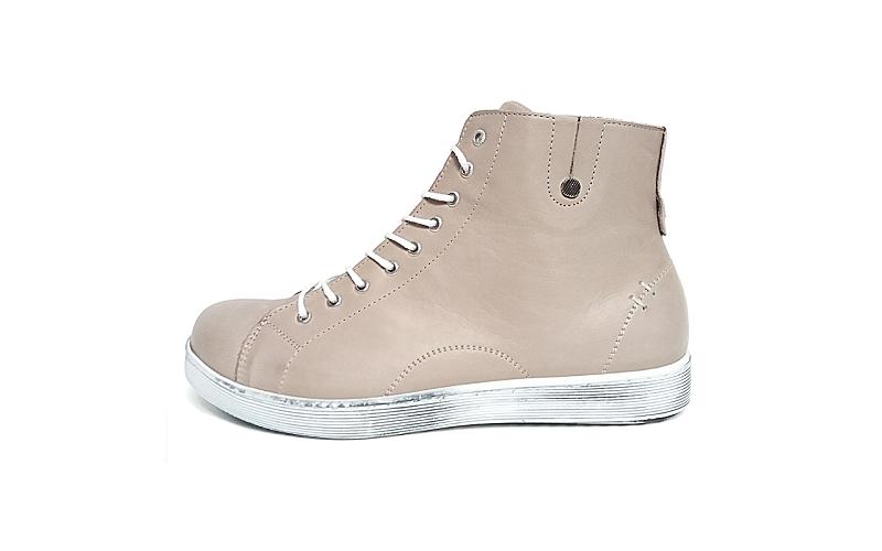 Hoge sneaker van Andrea Conti in taupekleurig leder, voering en binnenzool in leder, uitneembare binnenzool, veter én rits, soepele antislip zool - €89.95
