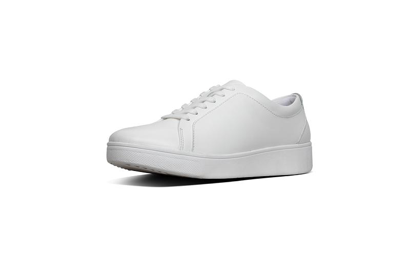 FitFlop sneaker in wit leer, vetersluiting, vederlicht en zeer comfortabel - €110.00