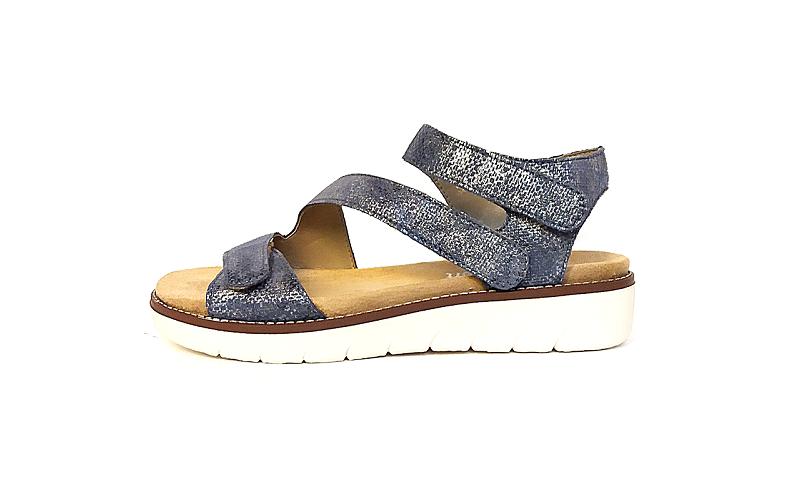 Sandaal van Remonte in blauw leder met metallic effecten, sleehakje van 2 cm, 3 velcro sluitingen, uitneembaar voetbed - €69.95