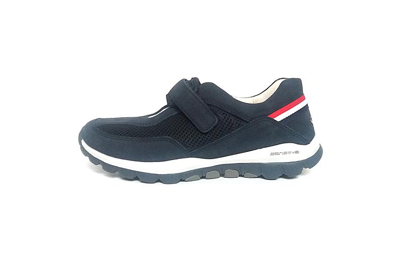 Lage sneaker met open wreef van Rollingsoft Gabor in een combinatie van blauwe daim met blauwe textiel, uitneembare binnenzool, velcro sluiting, F-breedte (normaal) - €120,00