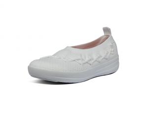 FitFlop slip-on ballerina op een soepele zool, witte textiel, zeer licht en comfortabel - €105.00