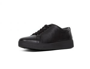 FitFlop lage sneaker in zwart leder, vetersluiting, uitneembare binnenzool - €110.00