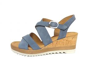Gabor sandaal op een sleehak van 5 cm, lichtblauw nubuck leder, G-breedte (breed), velcrosluiting (gesp=velcro) - €99.90