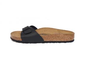"""Madrid slipper van Birkenstock in zwarte """"Birko Flor"""", voorgevormd voetbed in natuurkurk met lederen binnenzool, aanpasbaar met 1 gesp - €59.95"""