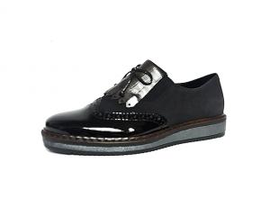 Rieker, loafer in een combinatie van zwarte lak met zwarte imitatiedaim