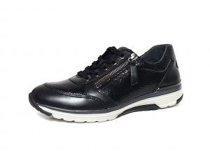 Lage sneaker van Rollingsoft in zwart leder, uitneembaar voetbed, sluiting met veter én rits - €135.00