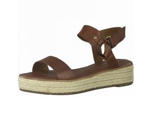 Sandaal van Tamaris in brandy bruin leder, zacht voetbed met lederen binnenzool, velcro sluiting - €59.95