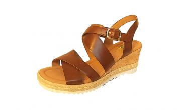 Gabor sandaal op een sleehak van 5 cm, middenbruin leer, velcrosluiting (gesp=verstelbare velcro) - €99.90